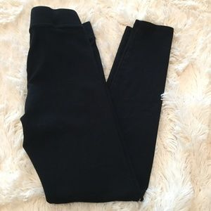 NWOT AERIE 2017 Chill Play Move Black Leggings